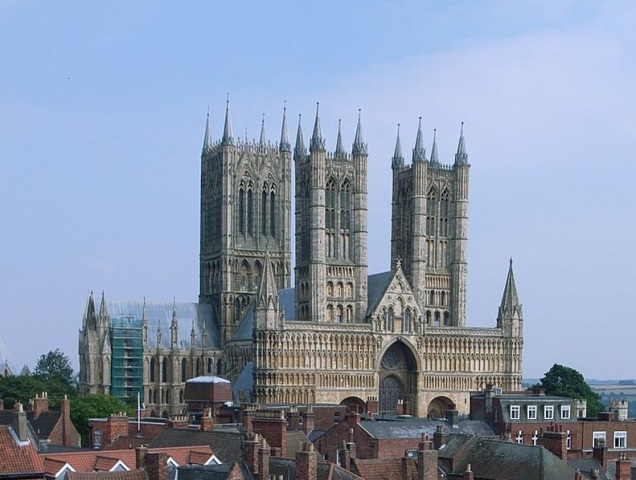 Lincoln_Cathedral_crop