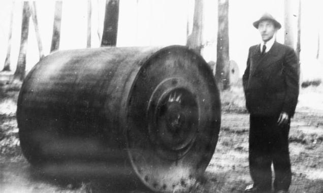 Rollbombe 17051943 Absturz Haldern