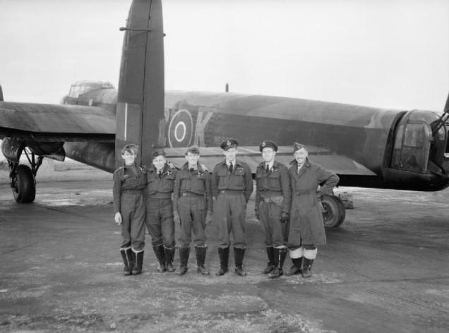 Royal_Air_Force_1939-1945-_Bomber_Command_CH17863